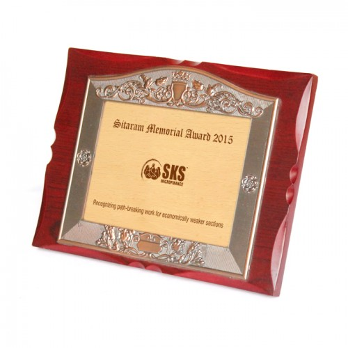 Wooden Memento with metal finish border